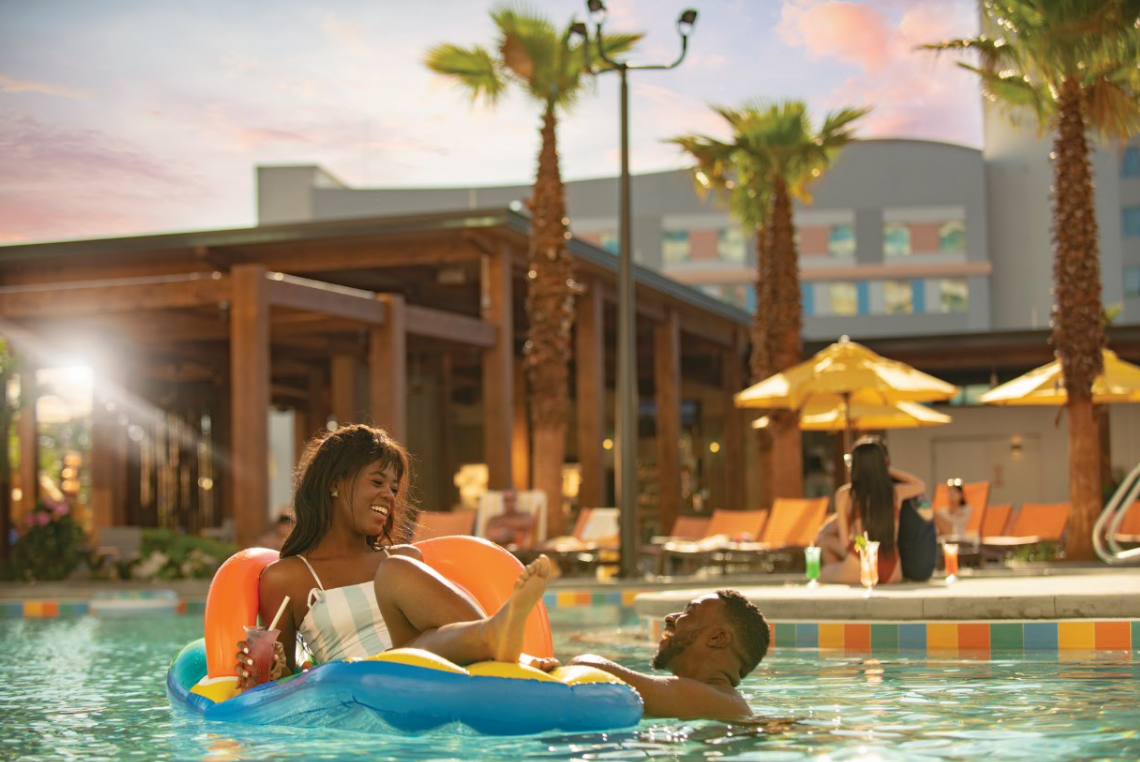 Universal Orlando - Universal's Endless Summer Resort - Dockside Inn and Suites